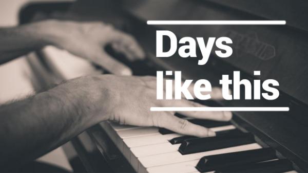 褐色复古钢琴封面